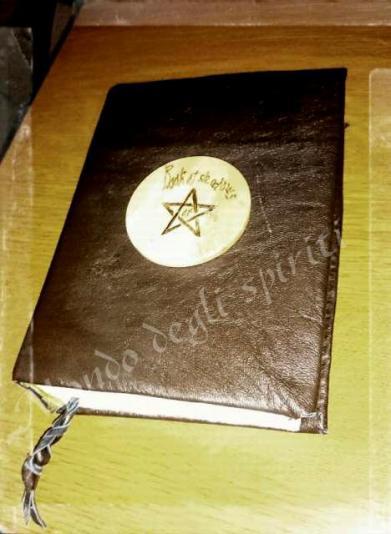 libro-ombre-pentacolo-personalizzato-mondo-degli-spirit-3i