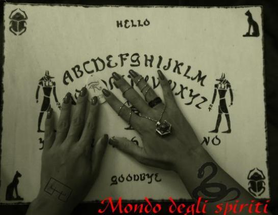 tattoo hagith sprito capo superiore tavola ouija comunicazione serpente